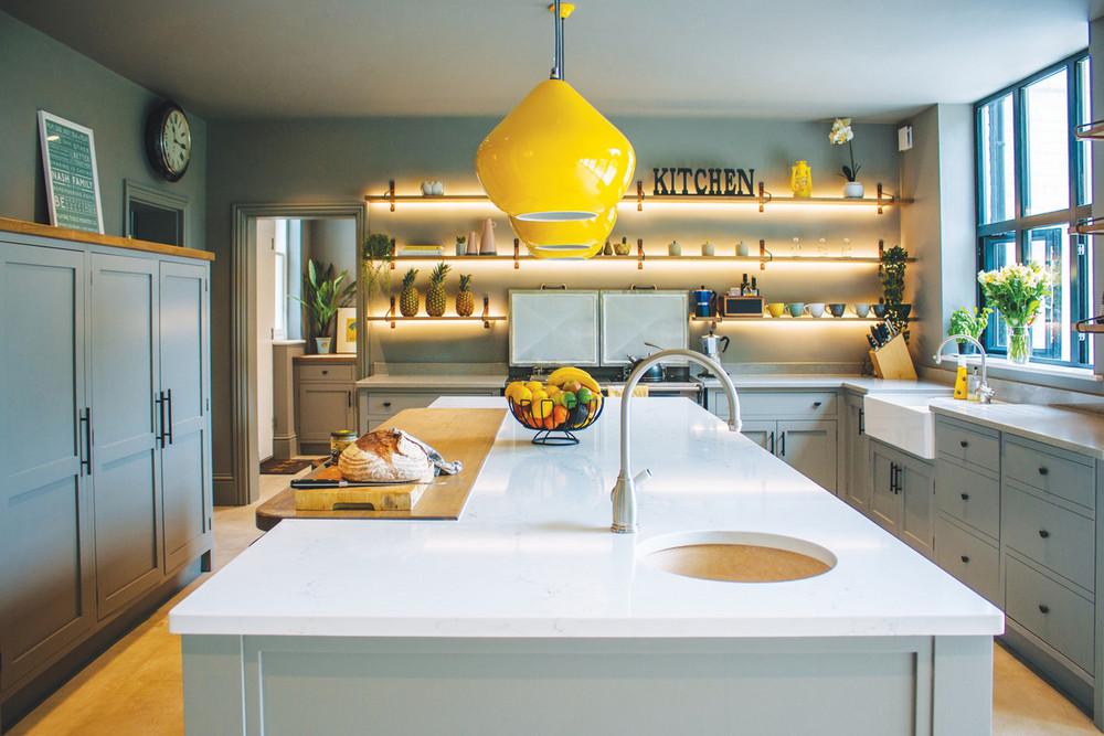 Contemporary Kitchen In Tunbridge Wells